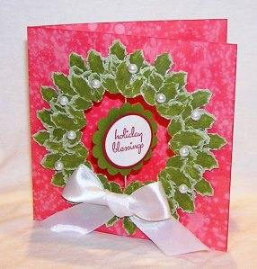 tlc197-spechled-background-holly-wreath-cmc